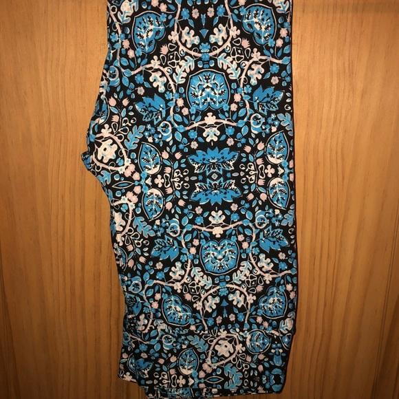 9249b87a07cd4 LuLaRoe Pants | Nwt Os Llr Floral Vine Print On Black Leggings ...